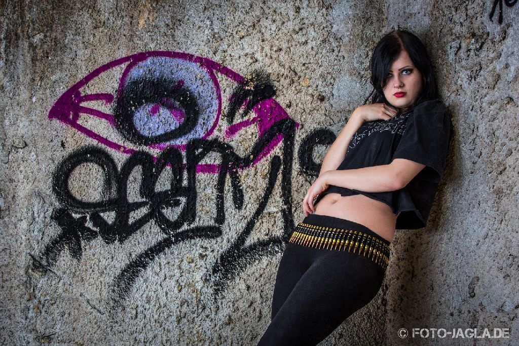 Lost Place Outdoor Shooting mit Model Frida
