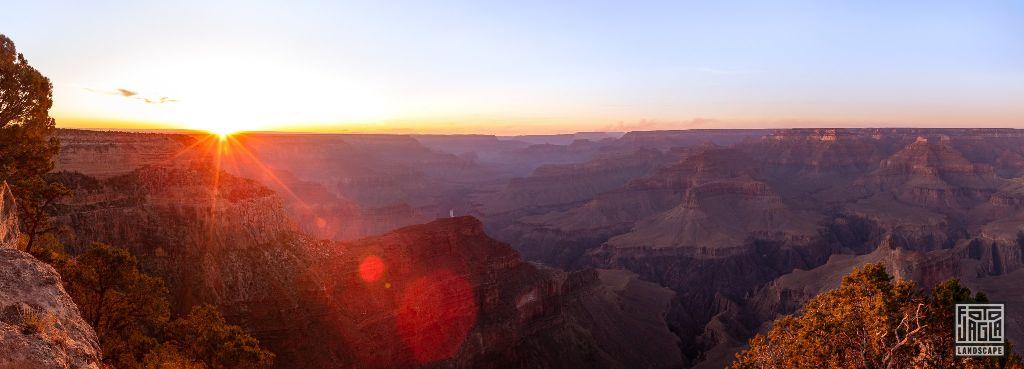 Sunset at Hopi Point in Grand Canyon Village Arizona, USA 2019