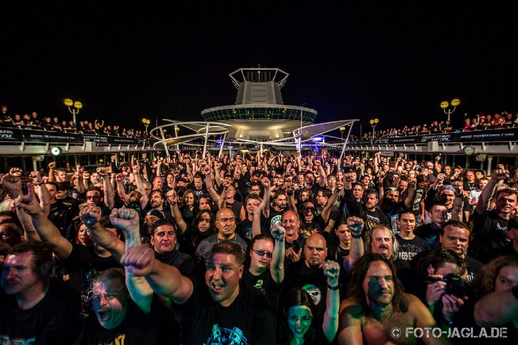 70000 Tons of Metal 2013 ::. Crowd @ Doro ::. http://www.foto-jagla.de