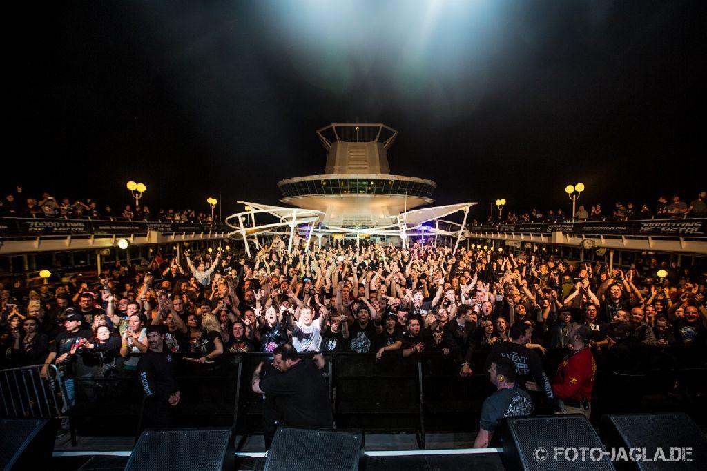 70000 Tons of Metal 2013 ::. Crowd after In Flames Show ::. http://www.foto-jagla.de