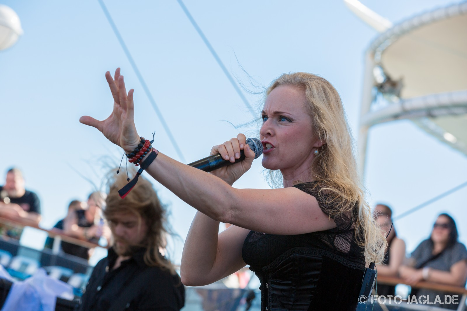 70000 Tons of Metal 2014 ::. Leaves' Eyes