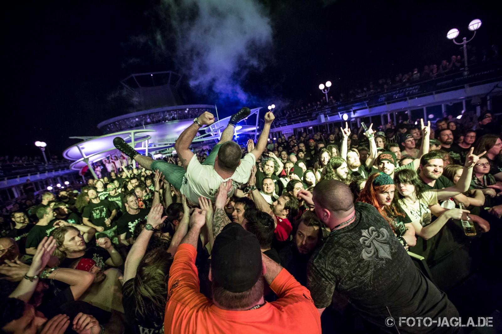 70000 Tons of Metal 2014 ::. Crowd @ Carcass