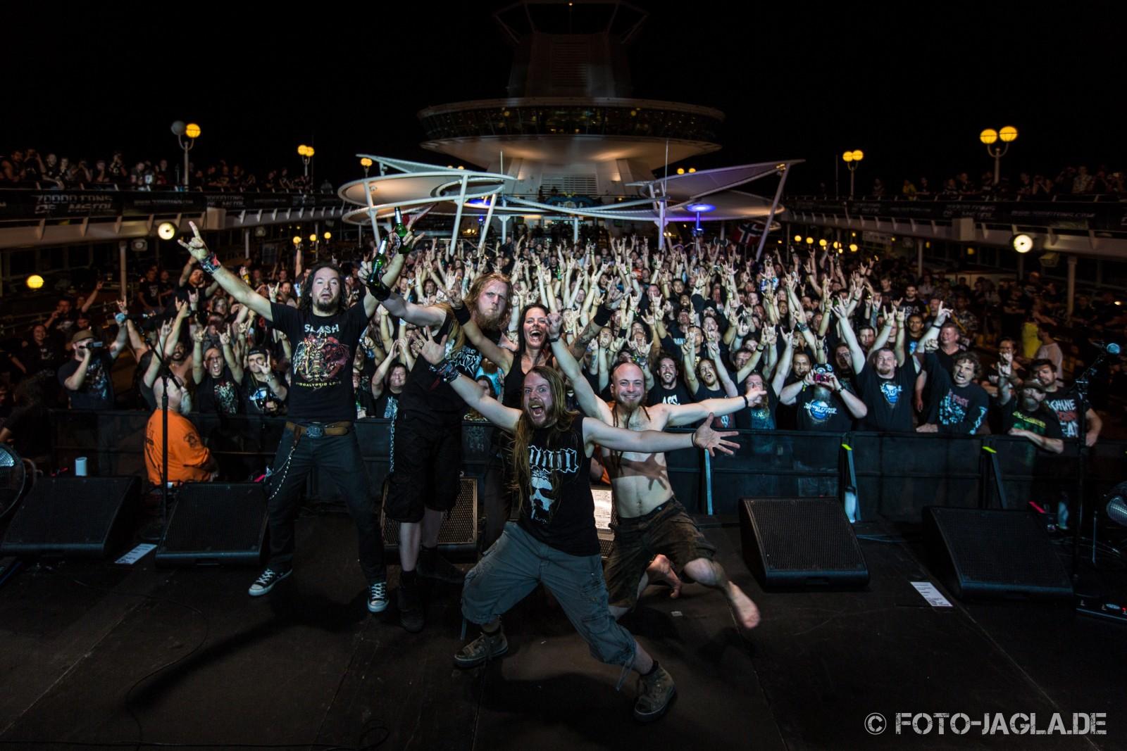 70000 Tons of Metal 2014 ::. Abschlussfoto von Cripper