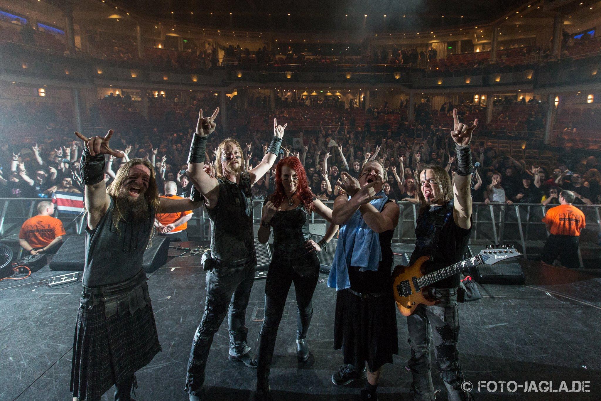 Abschlussbild von Ensiferum auf dem 70000 Tons of Metal 2015