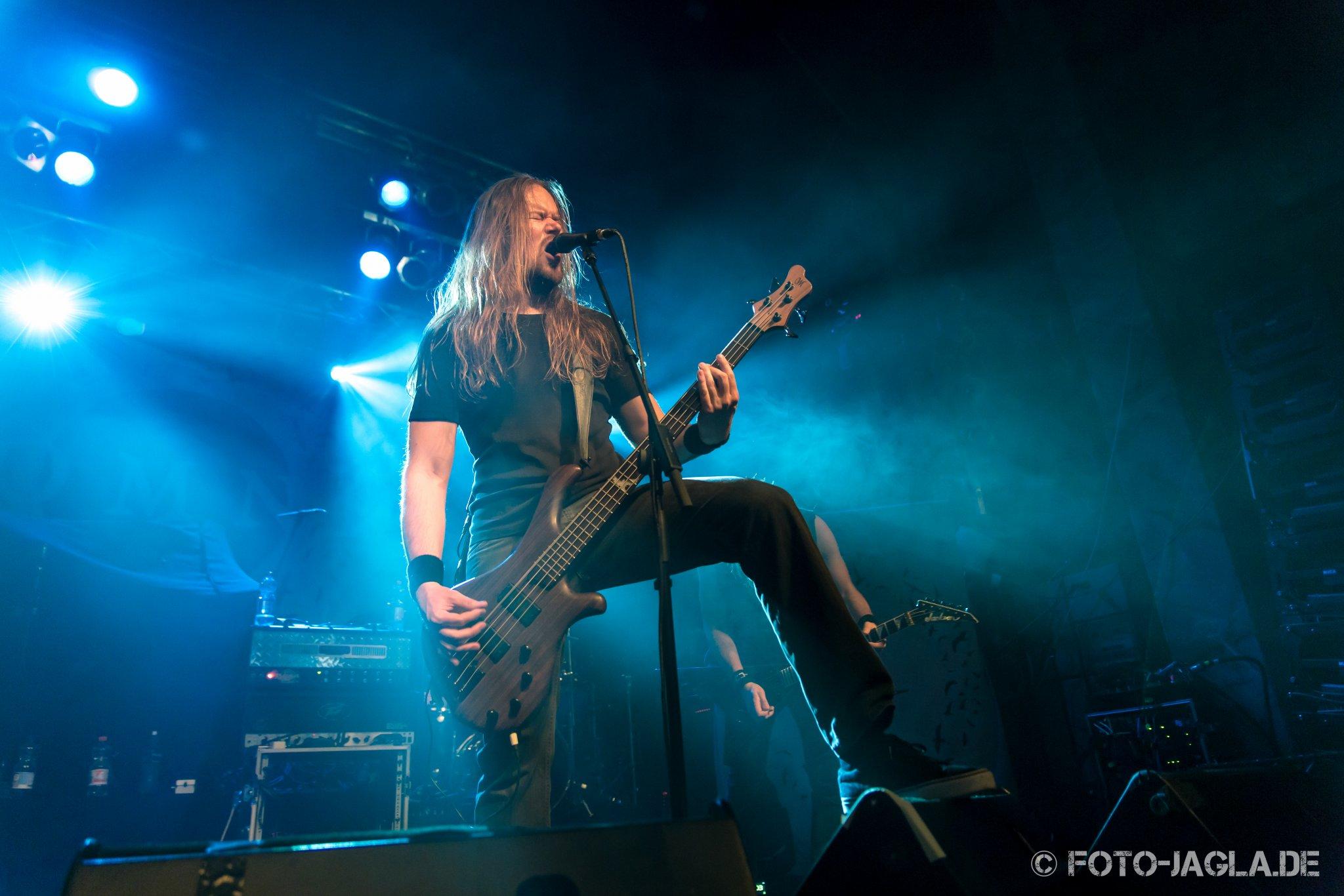 Insomnium als Vorband auf dem Ensiferum Konzert am 28.03.2015 im Tivoli in Bremen