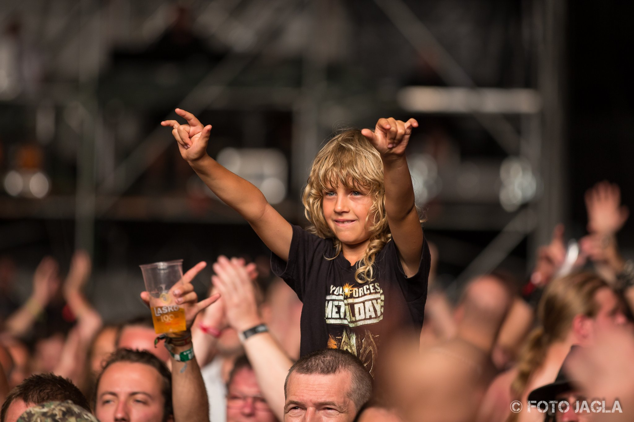 Metaldays 2015 (Day 1) ::. Crowd during Queensrÿche