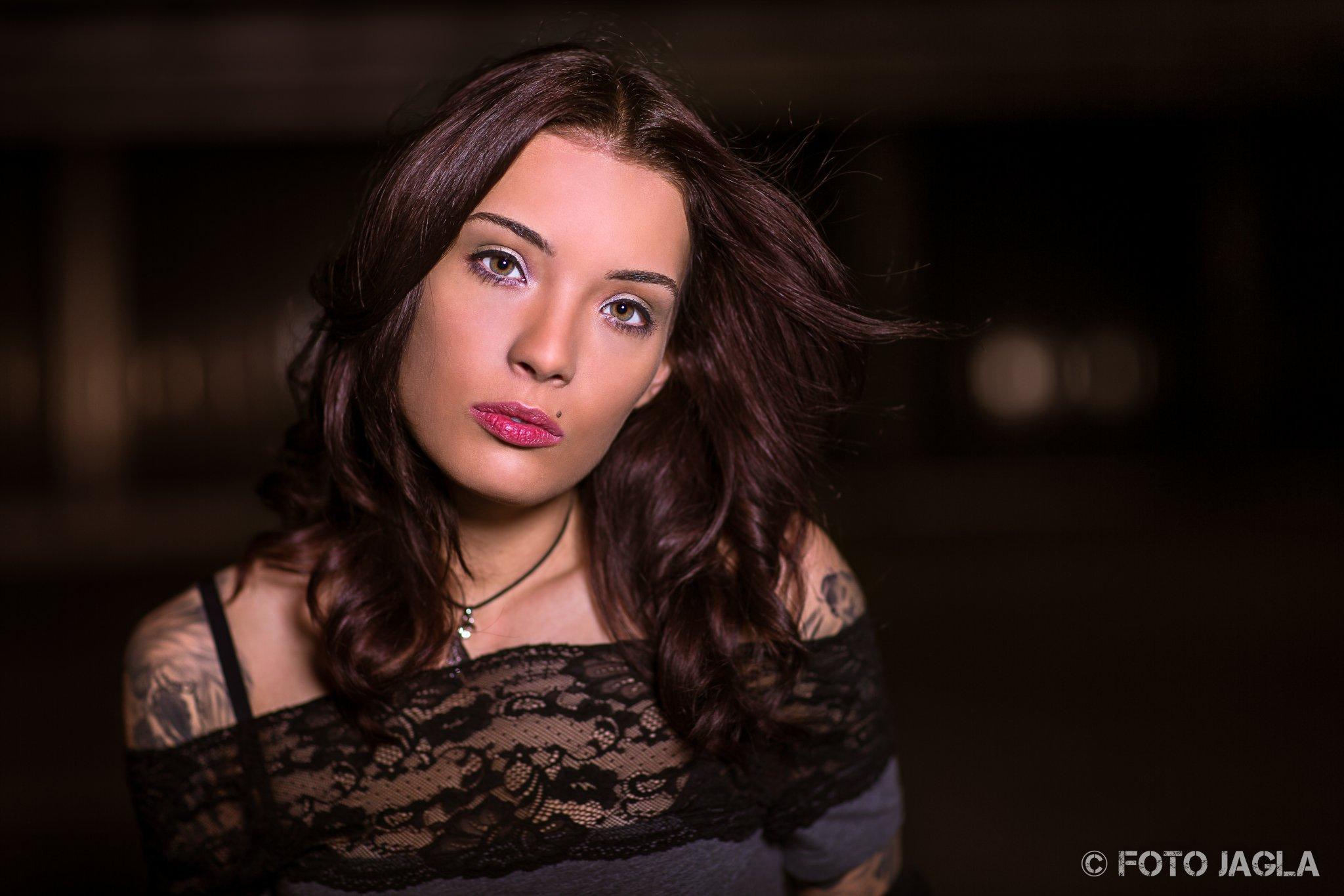 Outdoor Beauty Shooting Model: Deborah S. Makeup & Hair: Vera Sleza