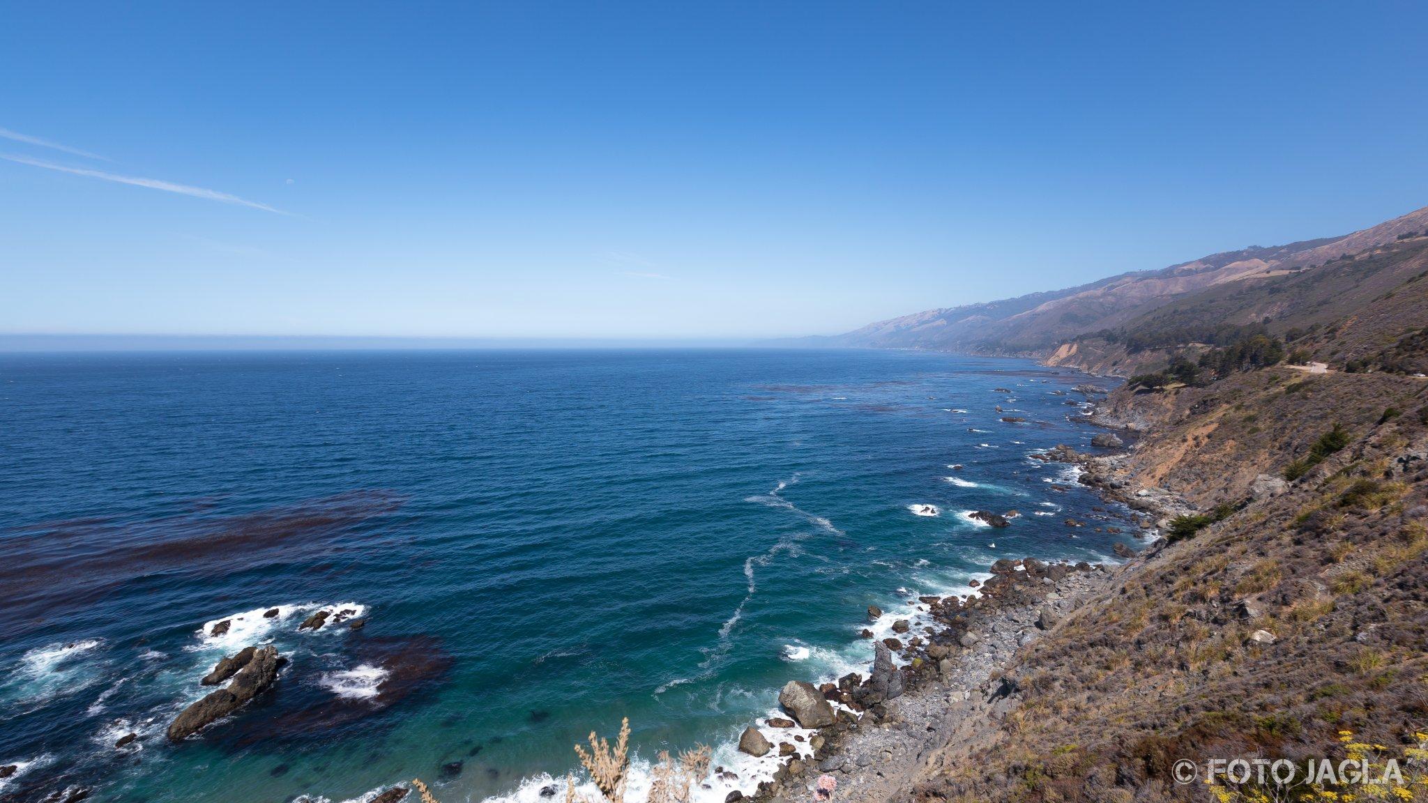 Kalifornien - September 2018 Blick über die felsige Küste Highway 1 - Cabrillo Hwy