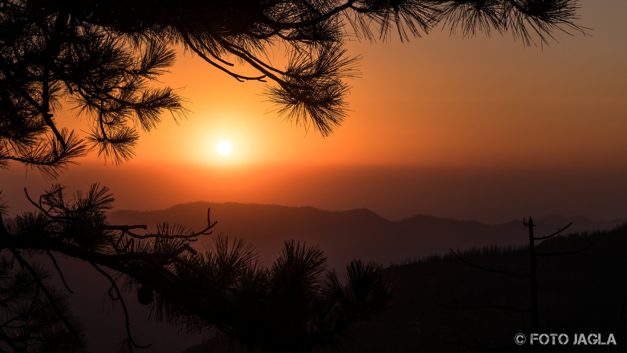 Kalifornien - September 2018 Sonnenuntergang am McGee Vista Point Hume