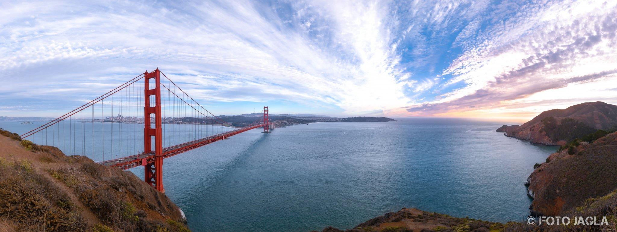 Kalifornien - September 2018 Sonnenuntergang an der Golden Gate Bridge San Francisco - Battery Spencer