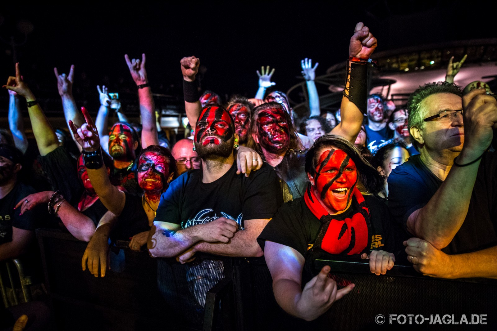 70000 Tons of Metal 2013 ::. Crowd @ Turisas ::. http://www.foto-jagla.de
