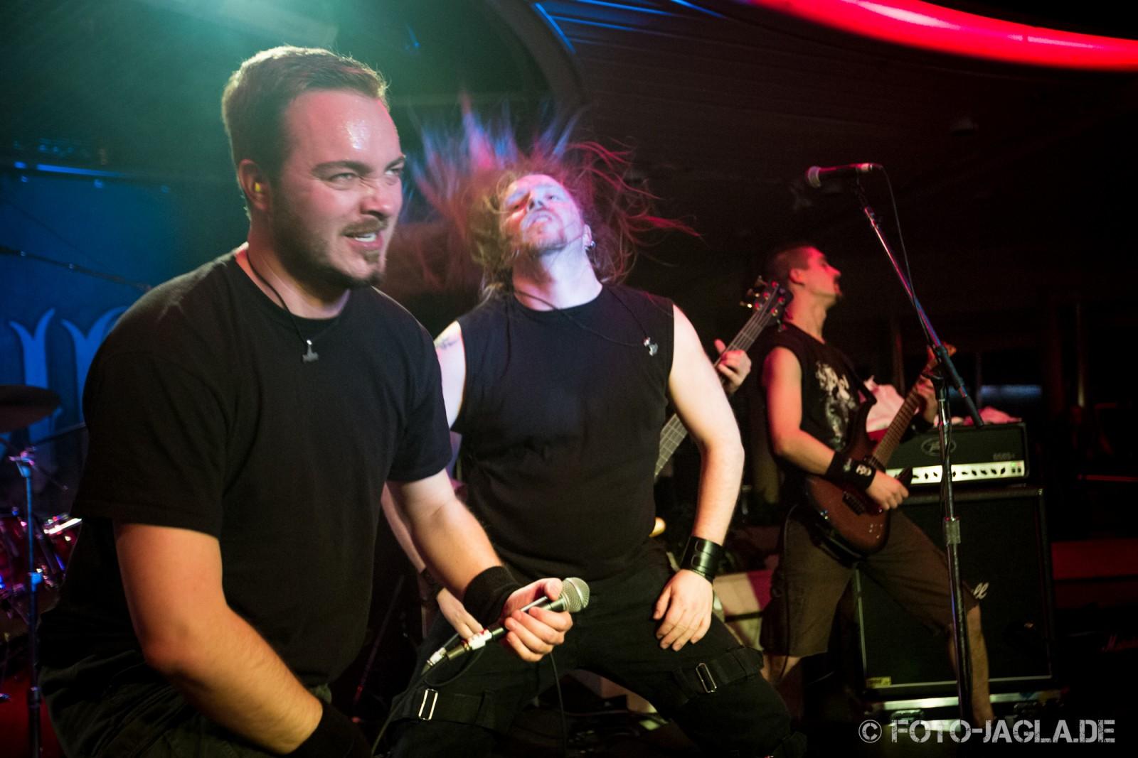 70000 Tons of Metal 2013 ::. Heidevolk ::. http://www.foto-jagla.de