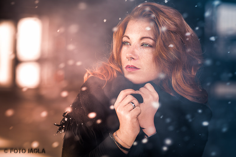 Winter Outdoor Beauty Portrait Shooting im Schnee