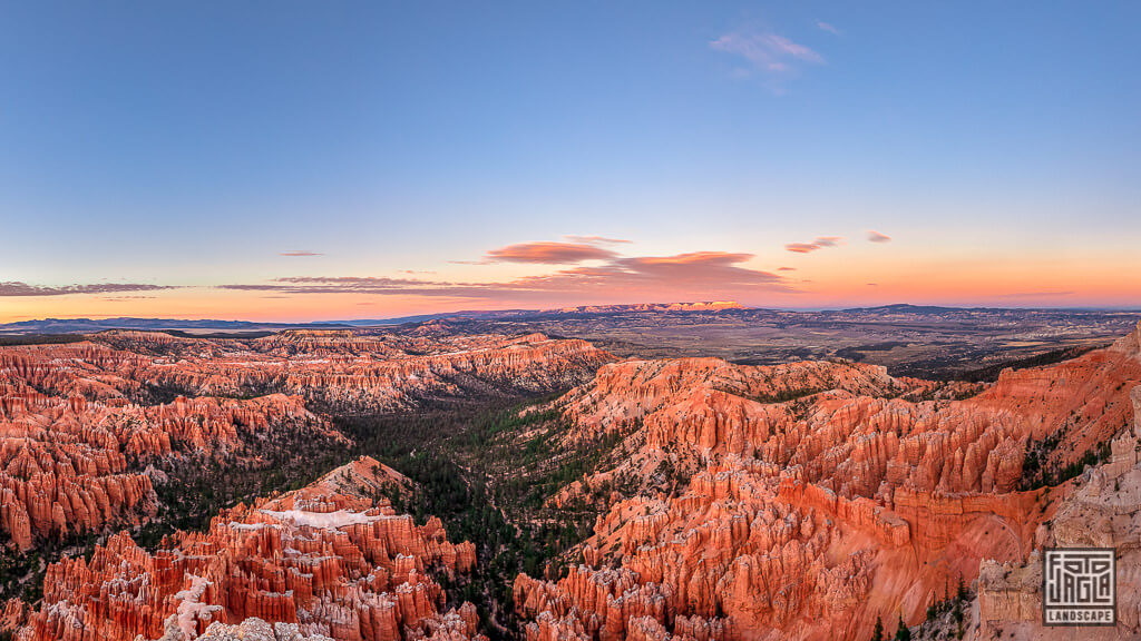 Sonnenuntergang über dem Bryce Canyon National Park in Utah
