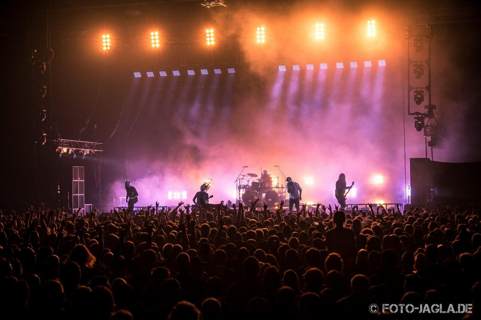 Konzertfotografie - Das Bühnenbild und die Lichtstimmung einfangen