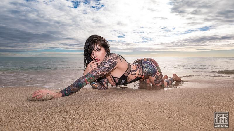 Strandshooting mit dem Alternative Model Pandora LeTrain am South Beach in Miami (Florida)