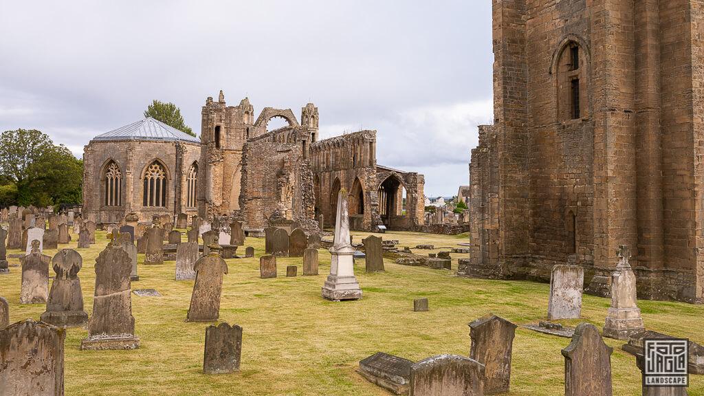 Elgin Cathedral - Die Ruine einer alten Kathedrale in Schottland