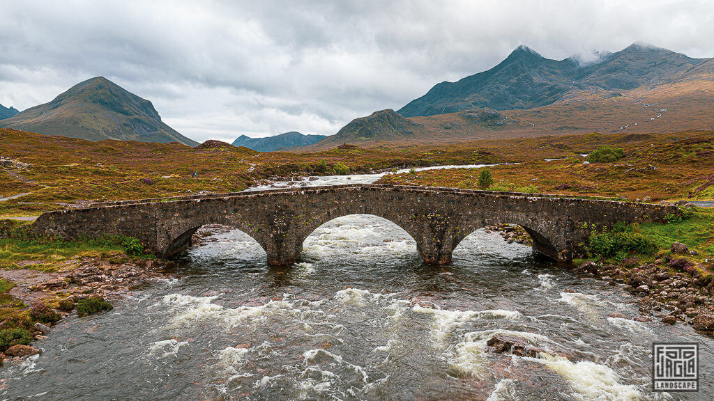 Sligachan Old Bridge - Alte Steinbrücke in Schottland