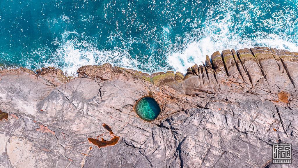 Rock Pool am Takamaka Beach auf Mahé, Seychellen